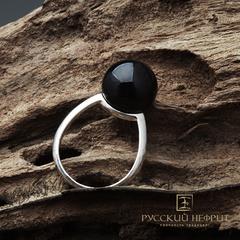 Кольцо с чёрным нефритом. Perlus.
