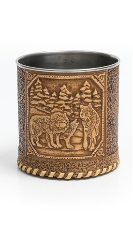Кружка декорированная берестой «Волки»
