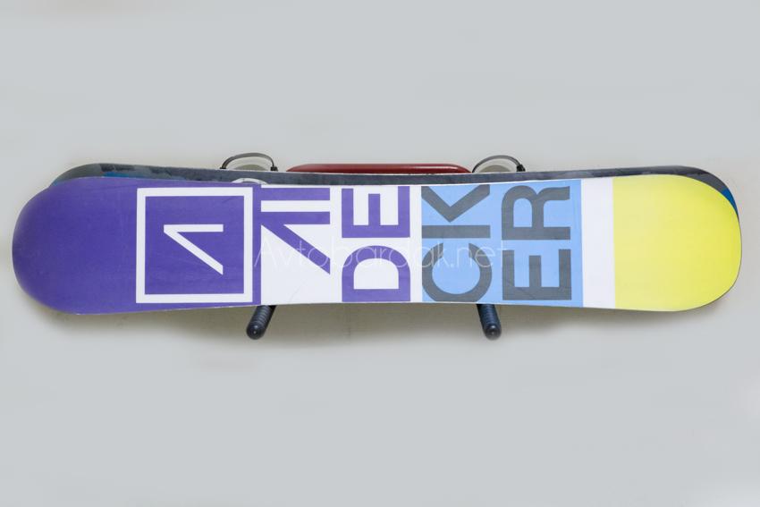 Кронштейн для лыж и сноубордов (крепление к стене)