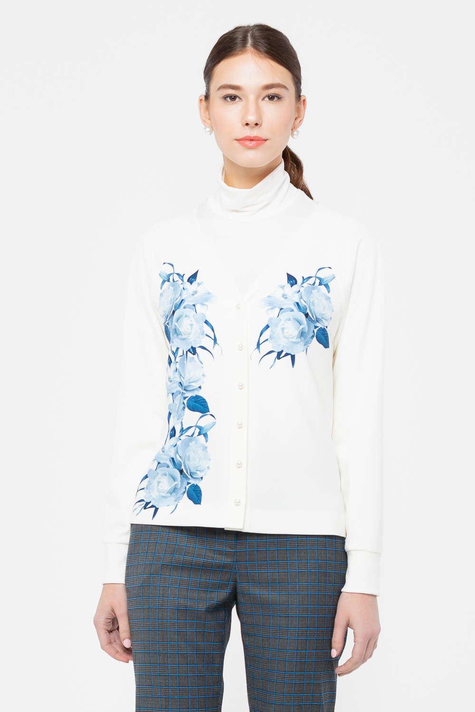 Жакет Д573-825 - Изысканный жакет с застёжкой на аккуратные пуговицы прекрасно сочетается с различными сопутствующими вещами, сочетайте его с простыми футболками, офисными блузами или дополняйте платья. Модель украшает очаровательный рисунок в виде пышных цветов роз. Жакет выполнен из качественной ткани, поэтому будет невероятно комфортен в носке.