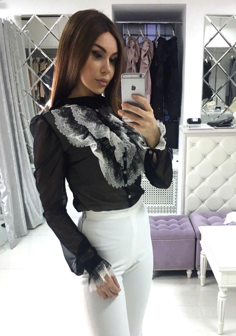 Блуза кружевная  с бело-черным жабо