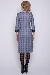 <p>Секрет утонченного образа - это идеальное сочетание тканей. Трикотажное платье приталенного силуэта, вставка из контрастной ткани с бантом. По линии талии драпировка из складок. (Длины: 46-48=99чм; 50-52=100см)&nbsp;</p>