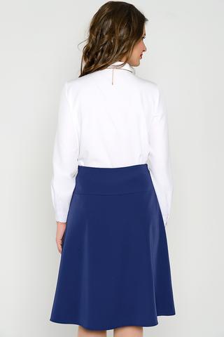 <p>Классическая юбка на кокетке. По переду складка, по боковому шву - замок. (Длины: 44-61см; 46-62см; 48-63см; 50-64см; 52-65см)</p>