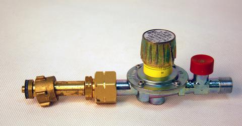 Штуцер-соединитель и газовый редуктор GOK M50-VST