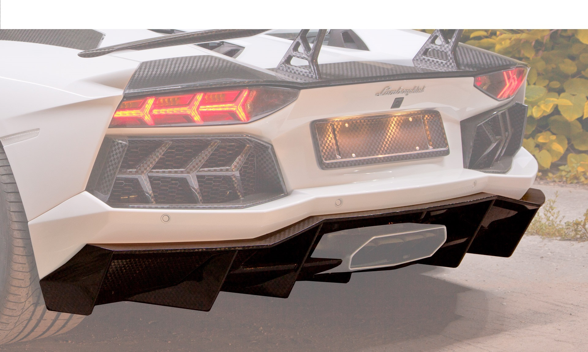 Карбоновый диффузор Mansory Style 2 для Lamborghini Aventador