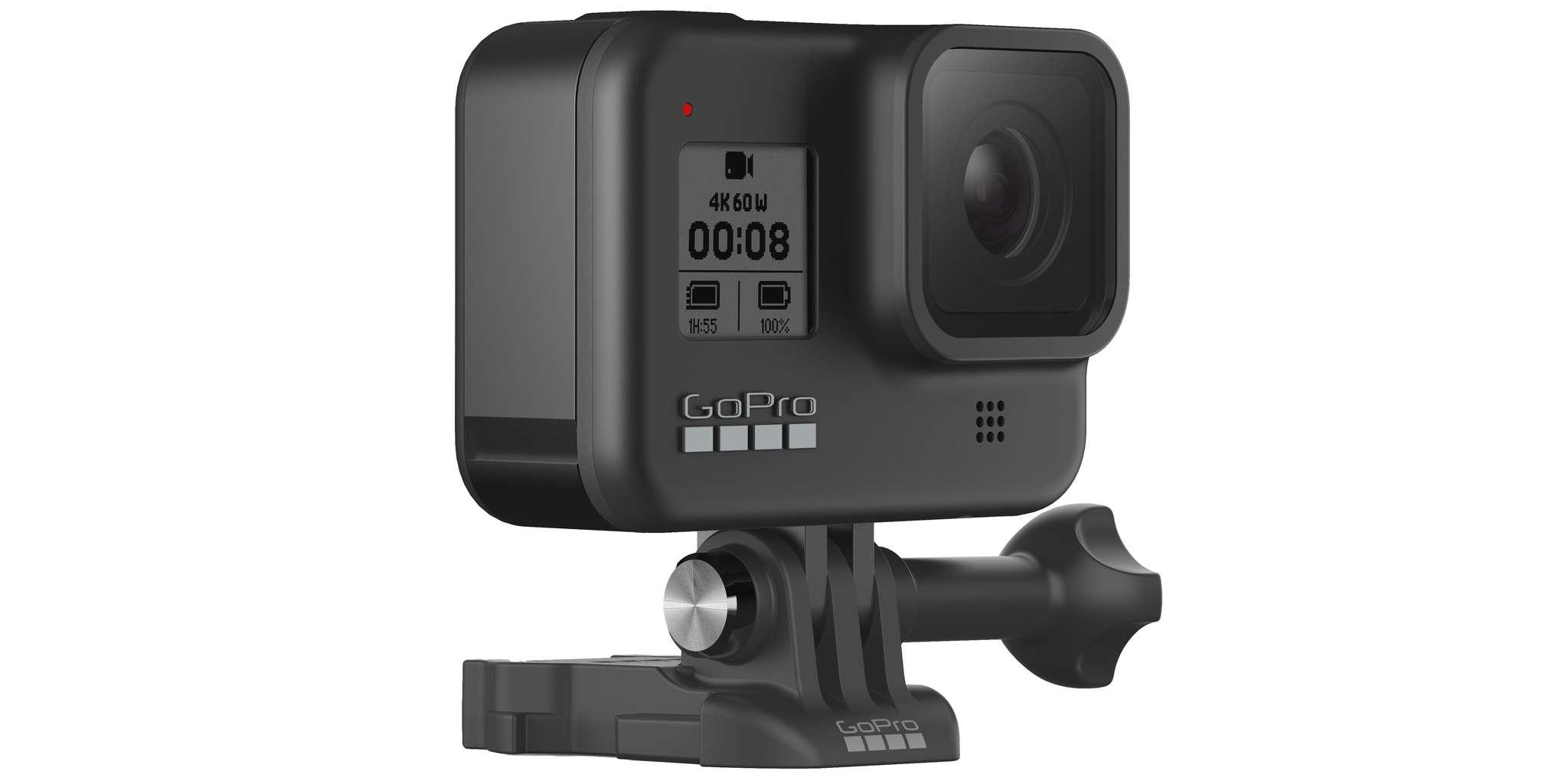 Видеокамера GoPro HERO8 Black Edition + SD Card (CHDSB-801) сбоку на платформе