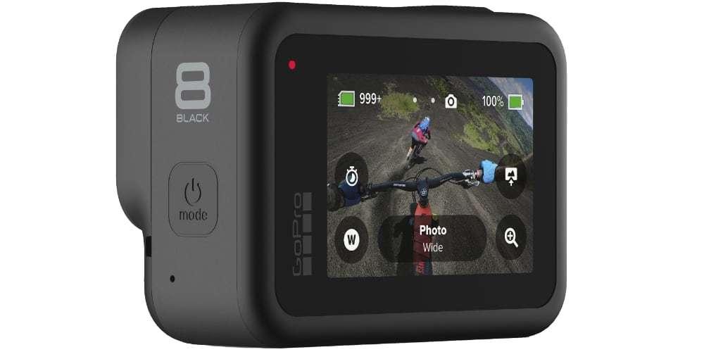 Видеокамера GoPro HERO8 Black Edition + SD Card (CHDSB-801) горизонтально