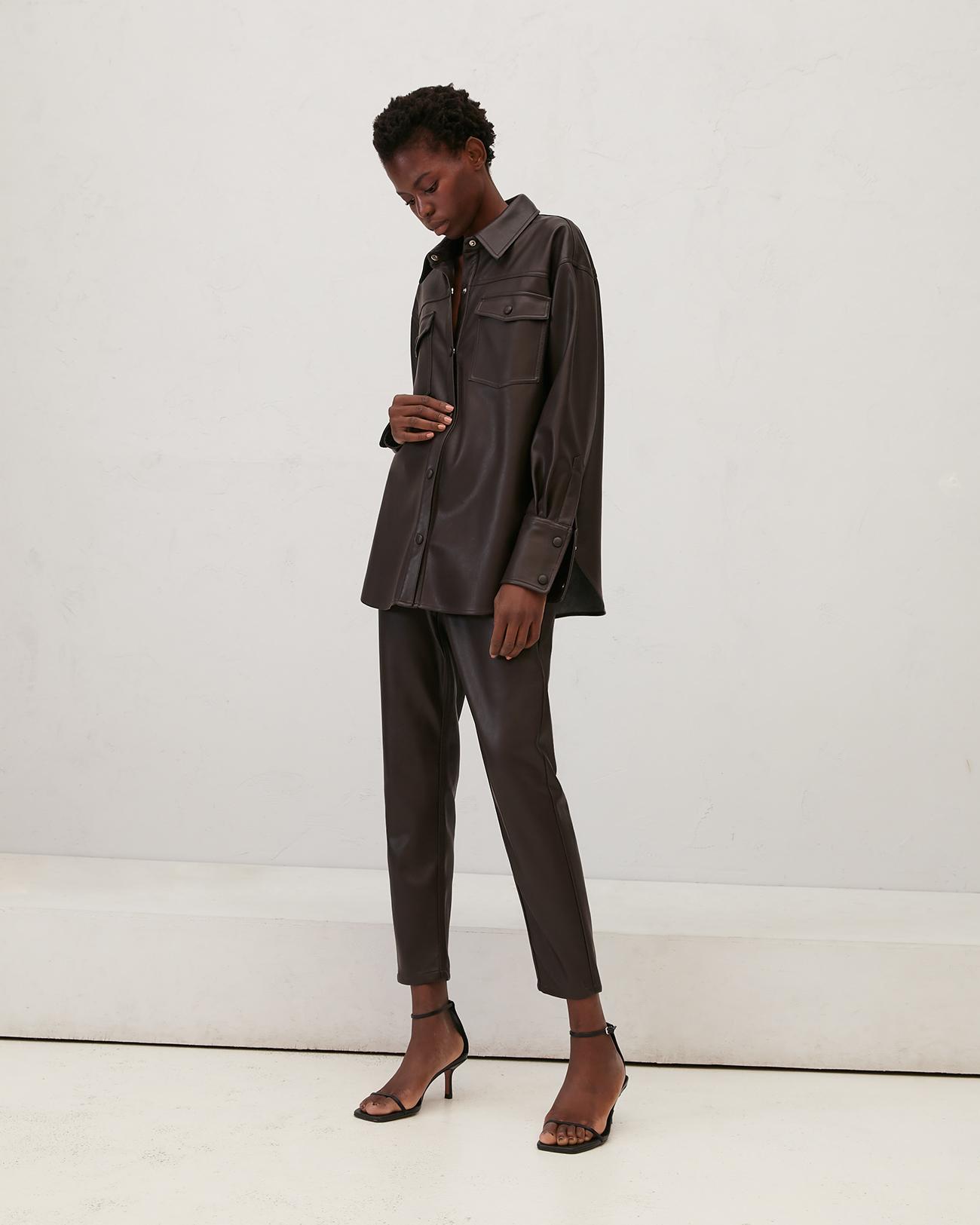 Рубашка из эко-кожи цвета горький шоколад фото