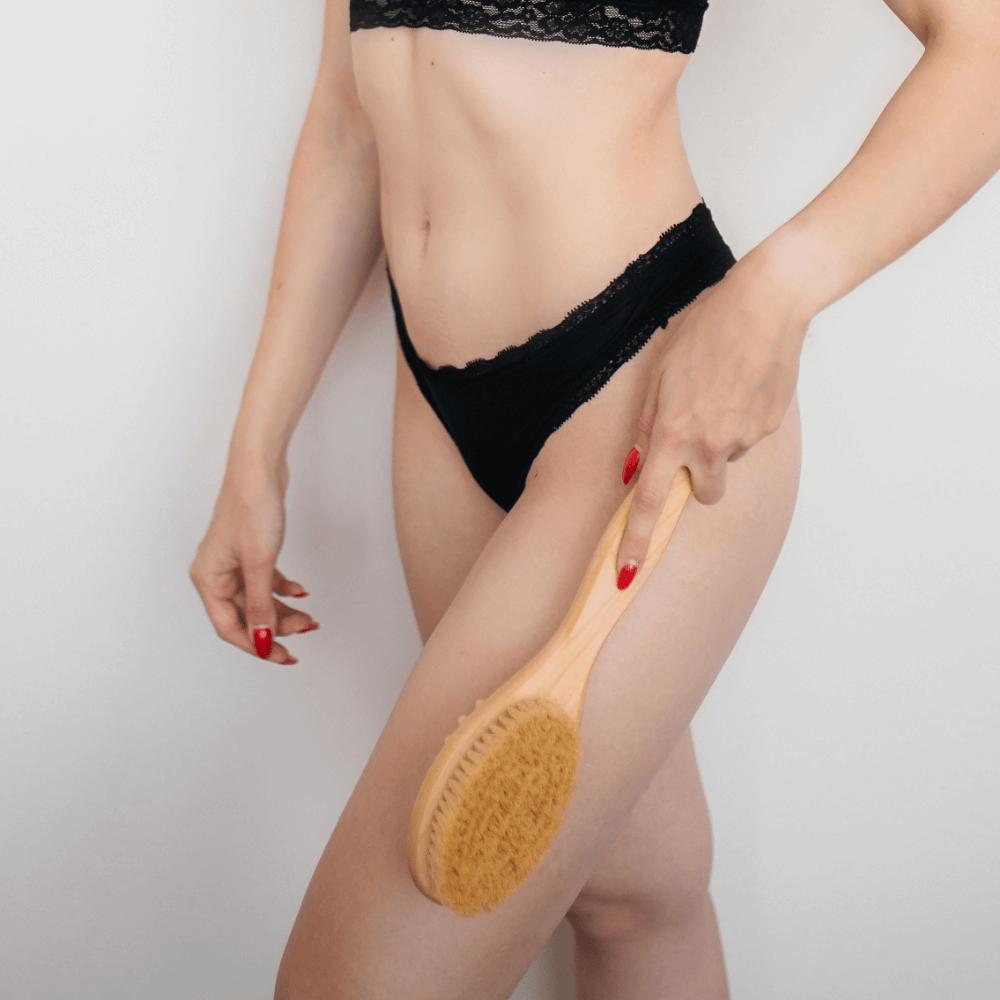 Щетка-массажер GLOYS для антицеллюлитного массажа — (40 см, с волокнами кактуса)