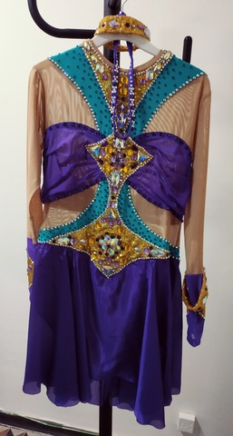 Платье со стразами б/у, рост 158 см