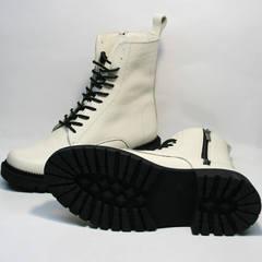Женские ботинки на толстой подошве Ari Andano 740 Milk Black.