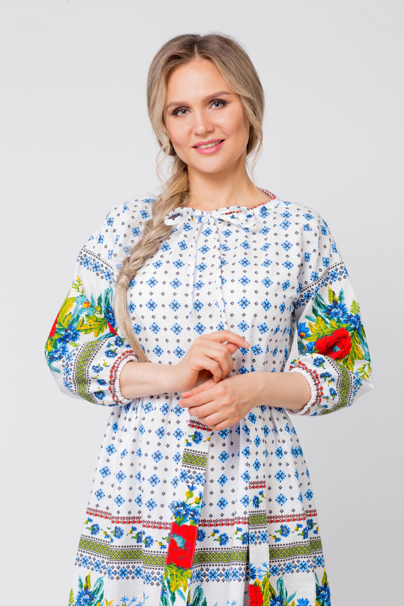 Платье льняное Маки-васильки приближенный фрагмент