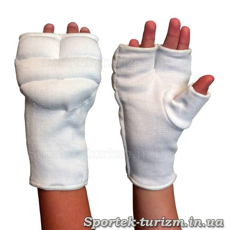 Захисні накладки на кисті руки для рукопашного бою на руці