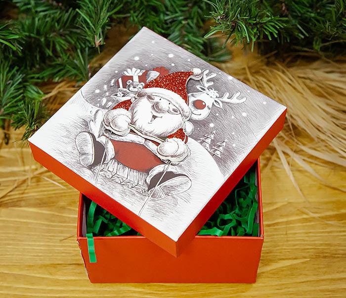 BOX260-2 Подарочная коробка «Дед Мороз на оленях» (11*11*8 см) фото 08