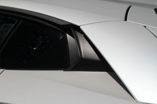 Карбоновые воздухозаборники у боковых стекол Novitec Style для Lamborghini Aventador
