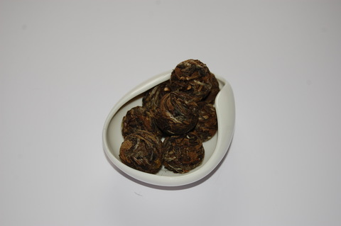 БОЛЬШАЯ БЕЛАЯ ЖЕМЧУЖИНА ДРАКОНА 白茶龙珠 БАЙ ЧА ЛУН ЧЖУ, шарики 5-7 грамм