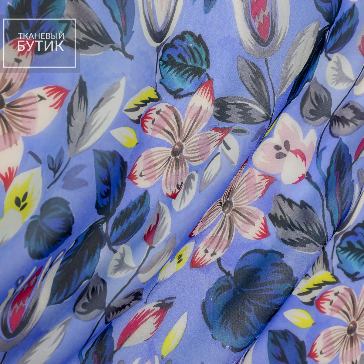 Шифон сине-голубой с яркими цветочными элементами