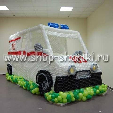машина из воздушных шаров - автомобиль скорой помощи в реальном размере