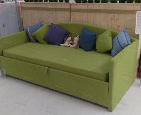 Велюр зеленый/ за доплату можно изготовить чехол матраса в цвет кровати!