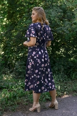 Илона. Красивое платье больших размеров. Цветы синий.