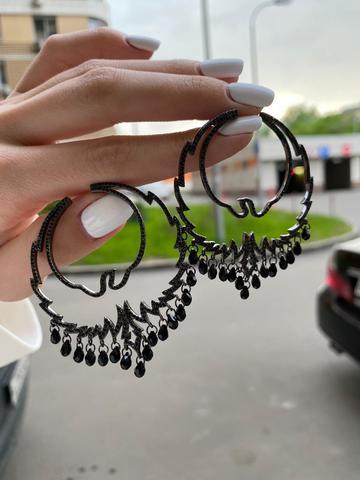 Серьги Hoop из серебра с черными цирконами