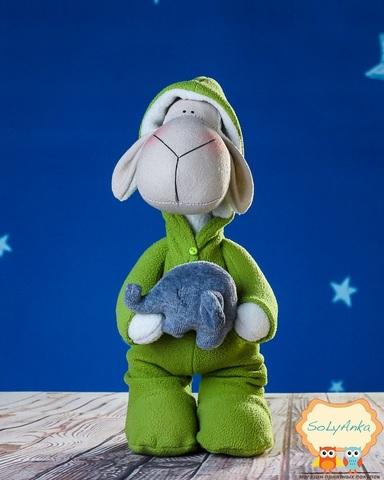 Овечка в зеленій піжамі. Овечка Тільда.