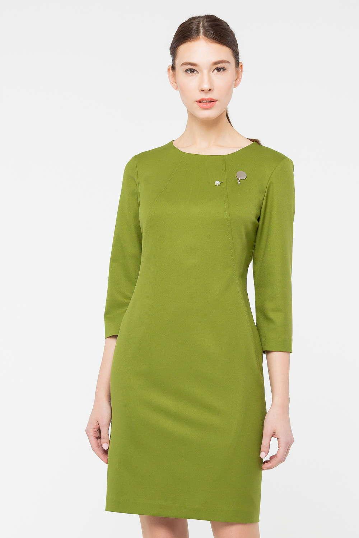 Платье З387-198 - Платье-футляр, выполненное в красивом оттенке зеленого цвета, выгодно подчеркивает фигуру и позволяет создать притягательный женственный образ. Модель с круглым вырезом горловины и укороченными рукавами. Тактичная длина подчеркивает элегантный дизайн. Модель прекрасно подходит для офисного гардероба.