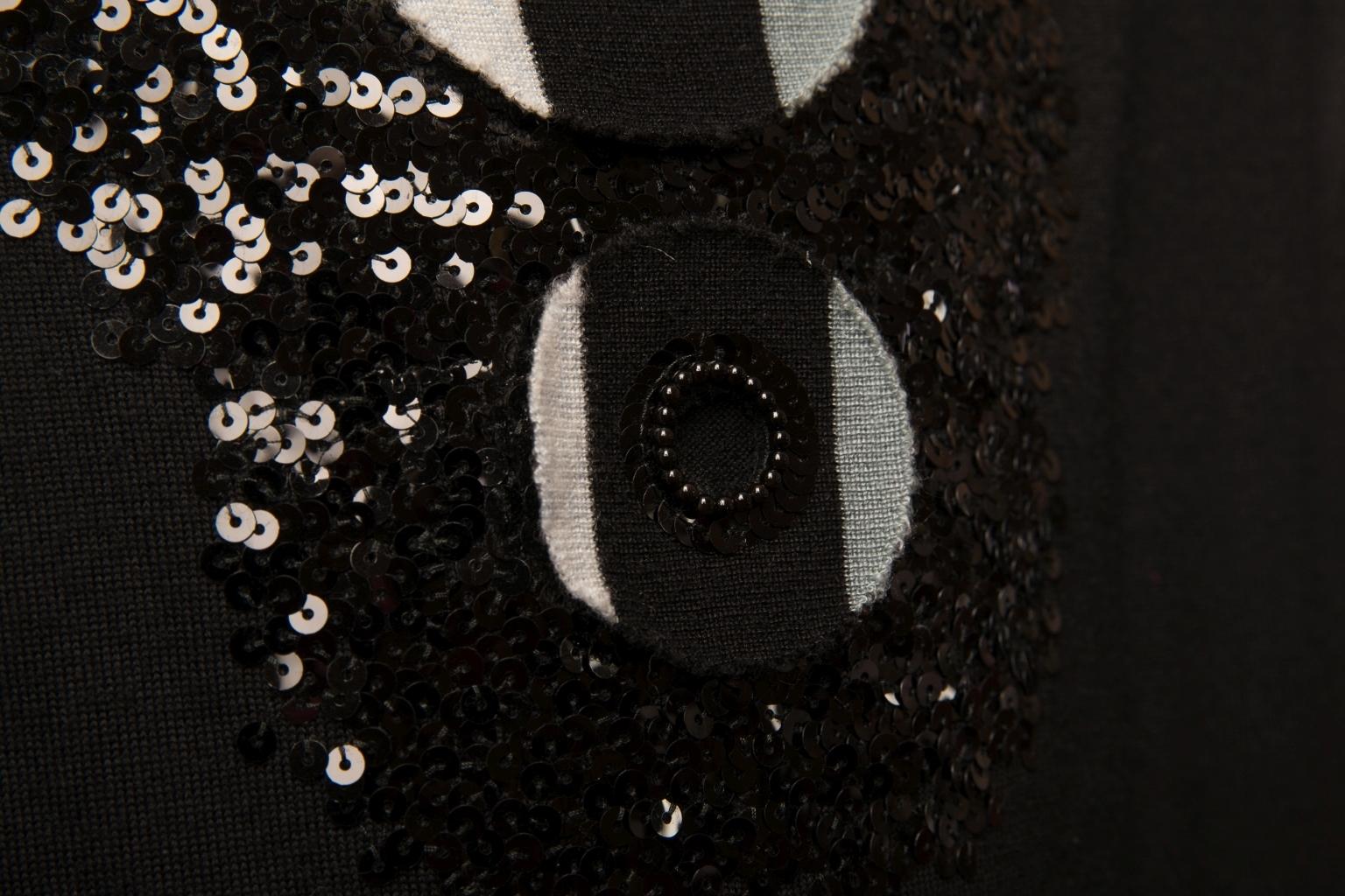 Изысканное кашемировое платье от Chanel, 36 размер.