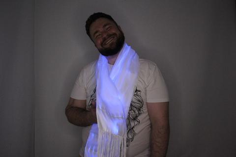 Светящийся шарф