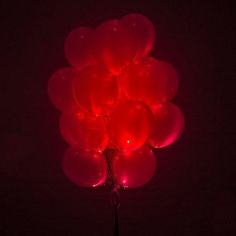 Светящиеся воздушные шары красные