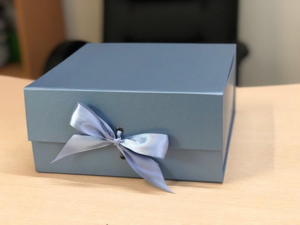 Коробка сундучок металлик.  Розница 300 рублей