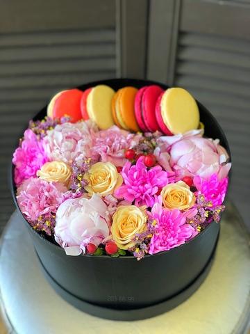 Коробка с цветами Нежно и изысканно#156385