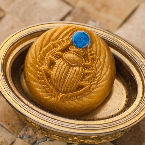 Пластиковая форма для мыла Скарабей