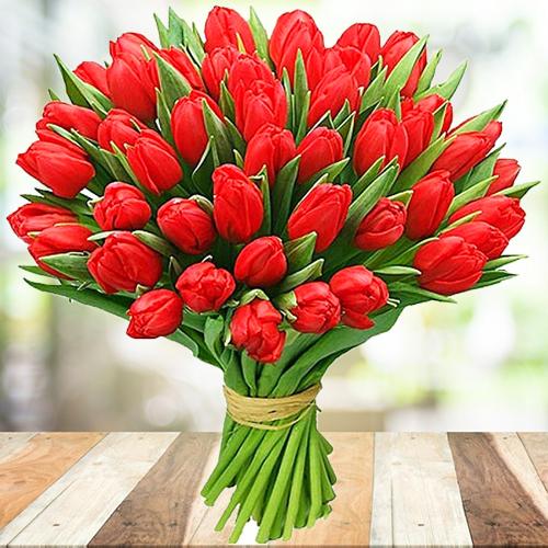 Букет из красных тюльпанов 45шт купить в Перми