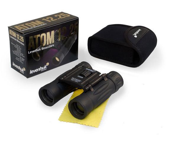 Комплект поставки бинокля Levenhuk Atom 12x25: чехол для хранения, салфетка, упаковка