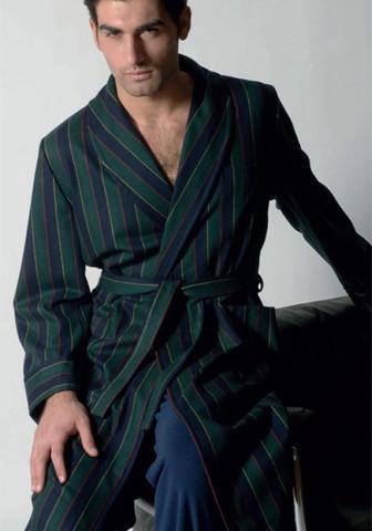Мужской халат в благородную полоску