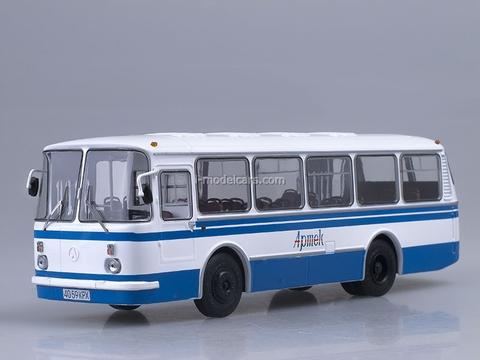LAZ-695N Soviet summer camp Artek Soviet Bus 1:43
