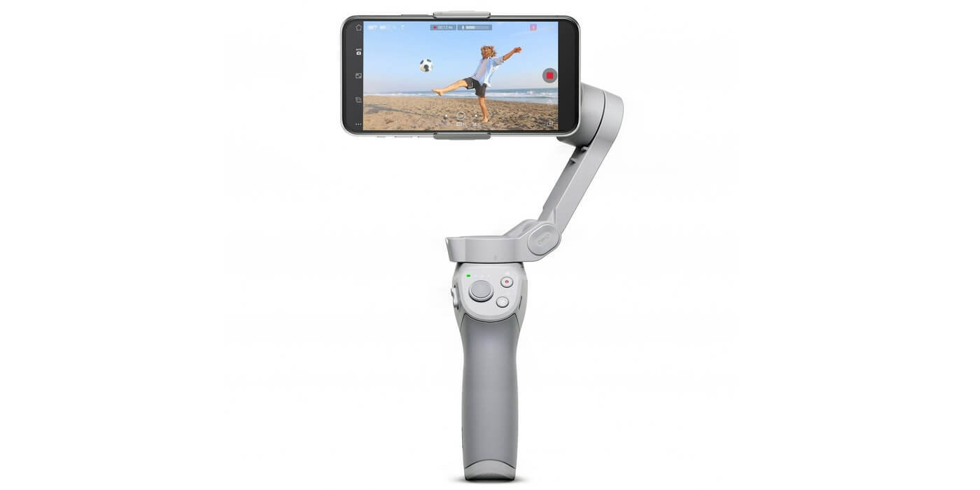Стабилизатор DJI Osmo Mobile OM4 со смартфоном вид спереди