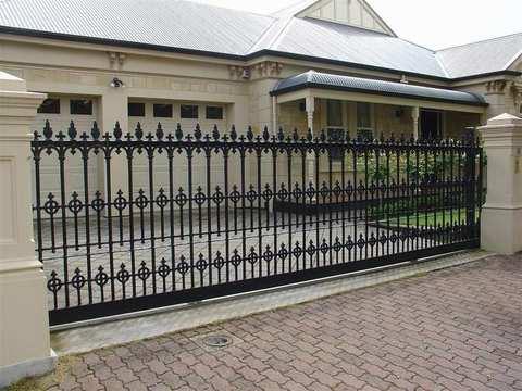 Кованые откатные ворота N-7