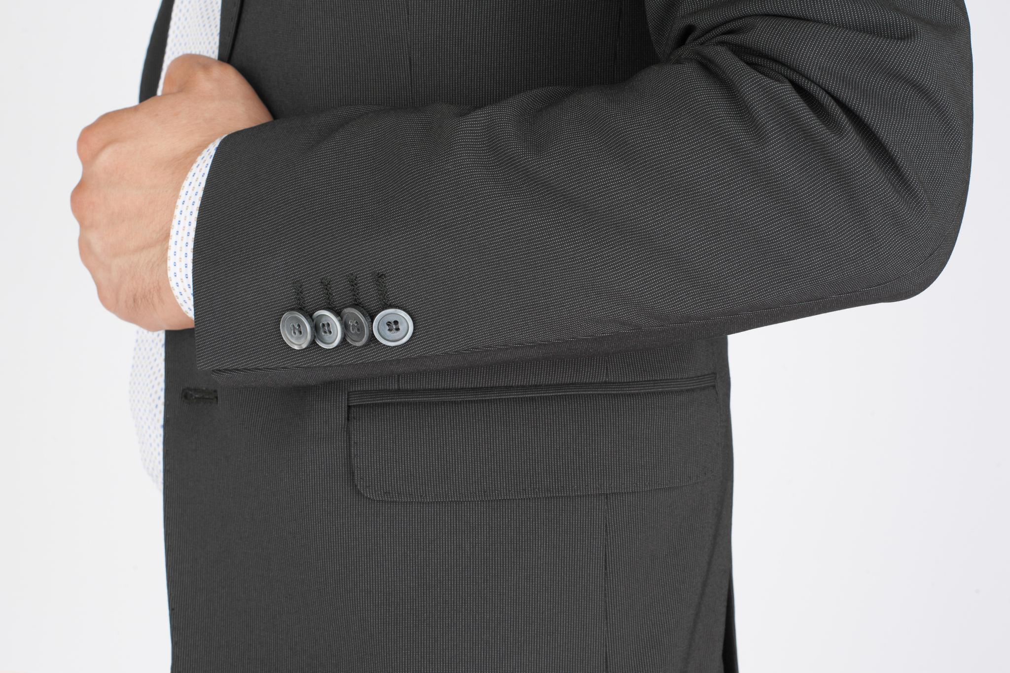 Тёмно-серый шерстяной костюм в полоску, накладной карман