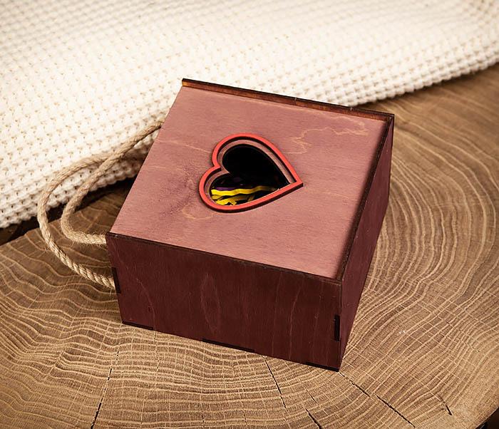 BOX210-3 Подарочная коробка с ручками фиолетового цвета (17*17*10 см) фото 03