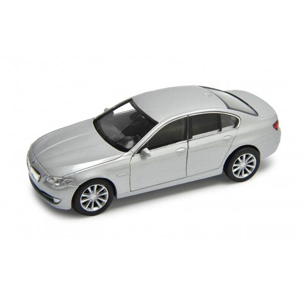 Машинка-игрушка BMW 535