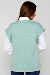<p>Классический жилет со спущенным плечом. Функциональный карман. Отличный офисный вариант. (Длины: 46-61см; 48-62см; 50-62см; 52-63см)</p>