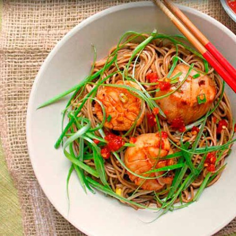 https://static-ru.insales.ru/images/products/1/4111/37875727/scallops_with_soba_noodles.jpg
