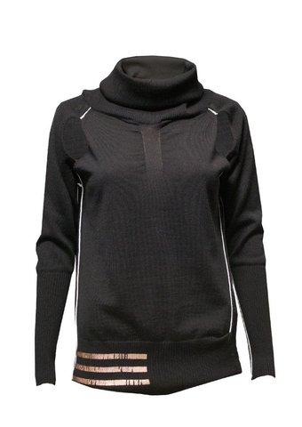 Пуловер с вырезом Elisa Cavaletti ECW174091901