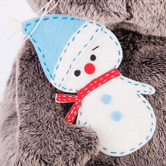Кот Басик в колпаке со снеговичком