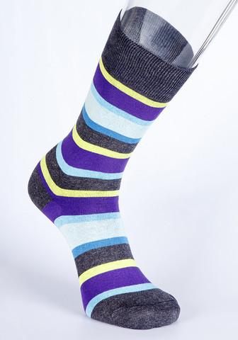 Яркие полосатые мужские носки