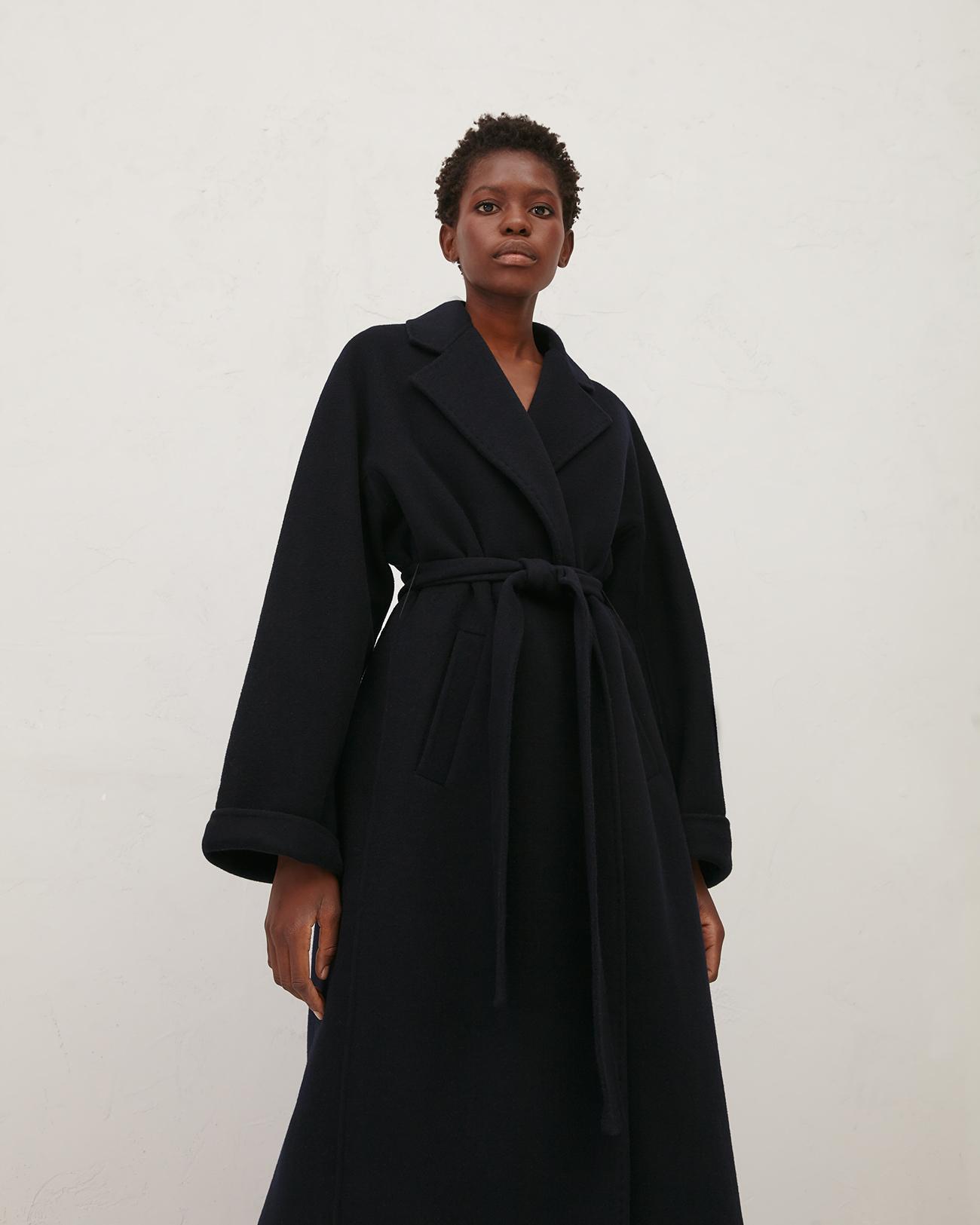 Пальто - халат темно-синего цвета