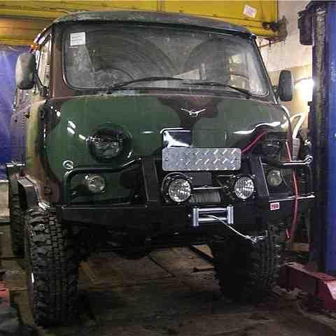 Установка переднего силового бампера УАЗ Буханка