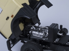 MAZ-5432 road tractor early cabin beige AutoHistory 1:43